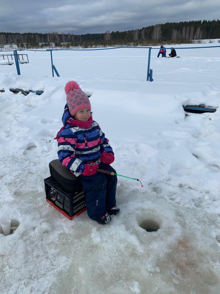 Семейный отдых и зимняя рыбалка на Форель Шабровский пруд