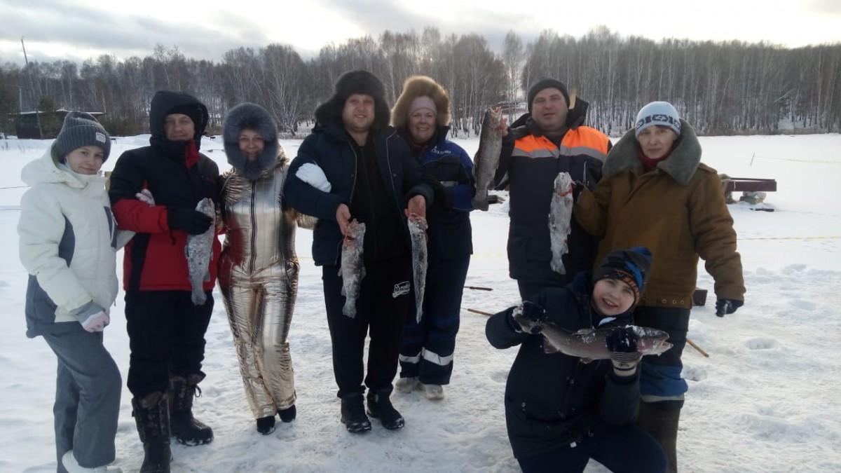 Зимняя рыбалка в Свердловской области на Шабровском пруду
