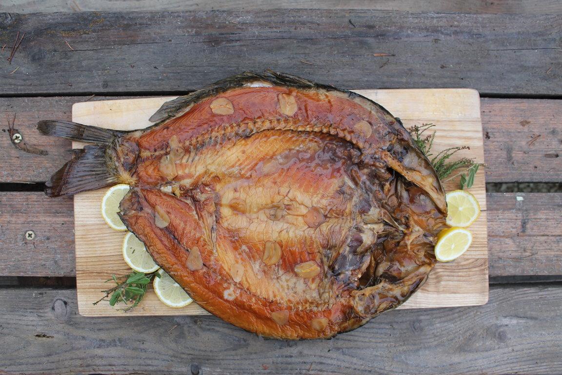 Приготовим свежепойманную рыбу или из нашего садка живую за 30-50 минут.
